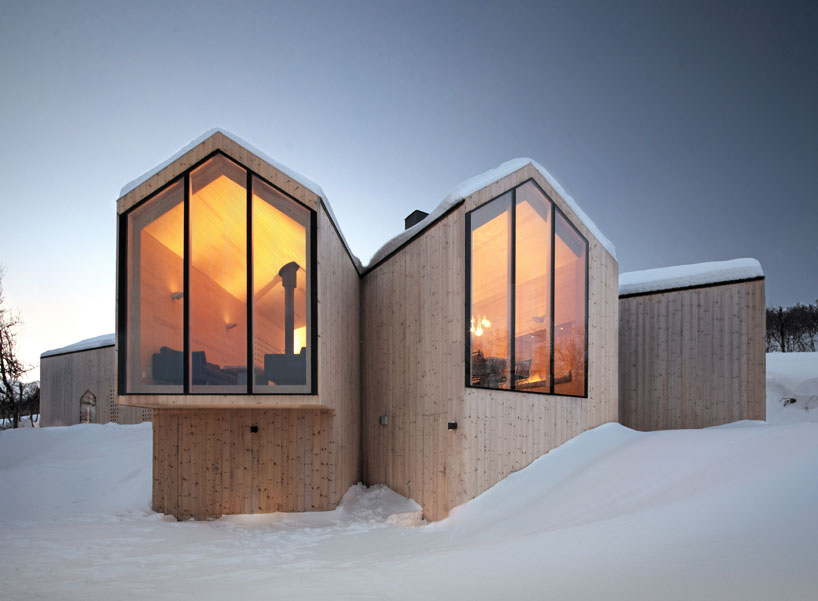 reiulf-ramstad-split-view-mountain-lodge-designboom-01